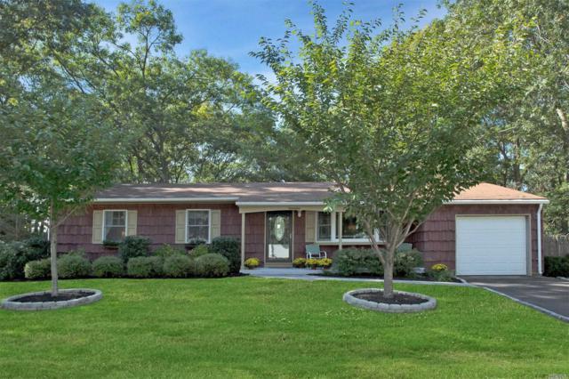 17 Smithtown Cres, Smithtown, NY 11787 (MLS #3074384) :: Signature Premier Properties