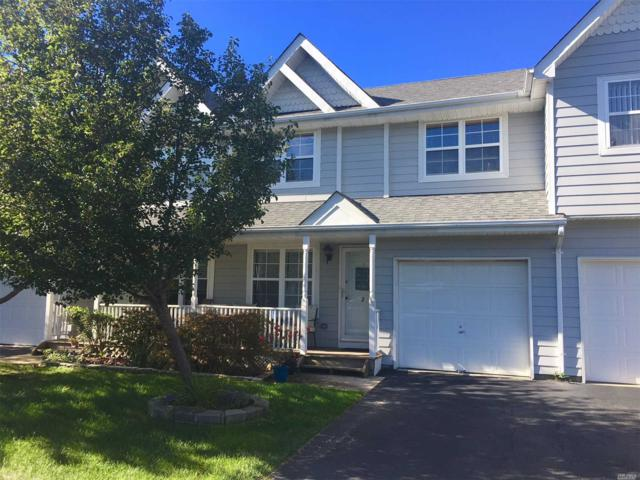2 Clubhouse Cir, Central Islip, NY 11722 (MLS #3074633) :: Keller Williams Points North