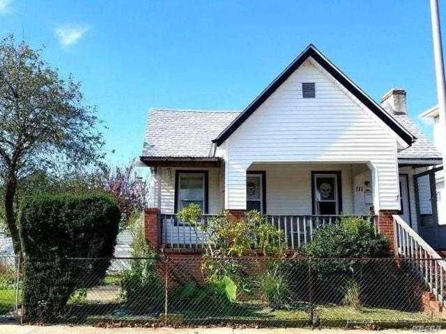 111 Coolidge Ave, Long Beach, NY 11561 (MLS #3075670) :: Netter Real Estate