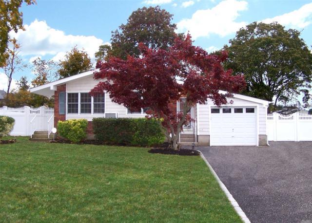 25 Havemeyer Ln, Commack, NY 11725 (MLS #3078543) :: Keller Williams Points North