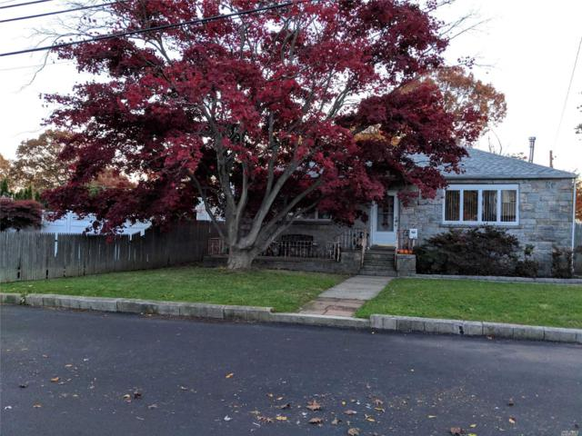 334 W 2nd St, West Islip, NY 11795 (MLS #3079344) :: Netter Real Estate