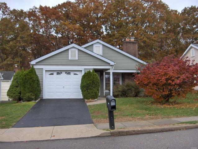 521 Cranston Ln, Ridge, NY 11961 (MLS #3080054) :: Netter Real Estate