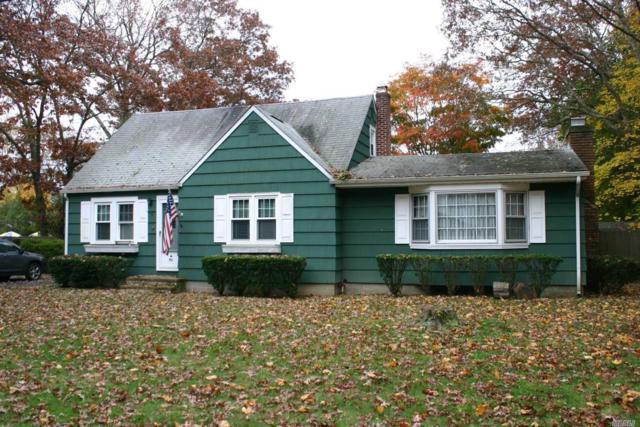 18 Lee Pl, Mastic, NY 11950 (MLS #3080193) :: Signature Premier Properties