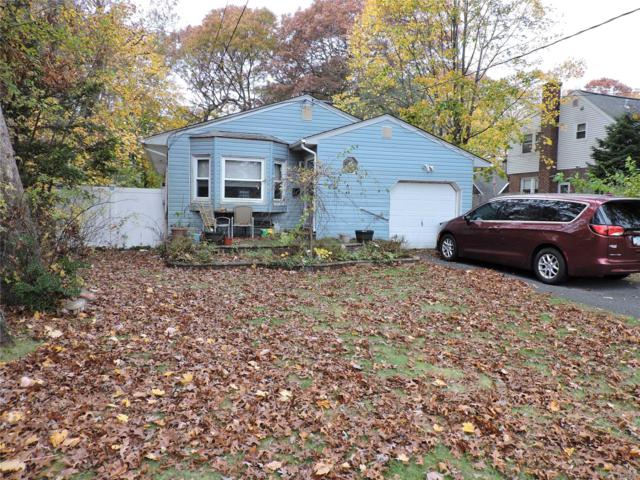 16 Secatogue Ave, East Islip, NY 11730 (MLS #3080327) :: Netter Real Estate