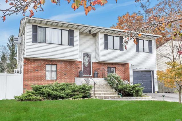 451 E John St, Lindenhurst, NY 11757 (MLS #3081915) :: Netter Real Estate