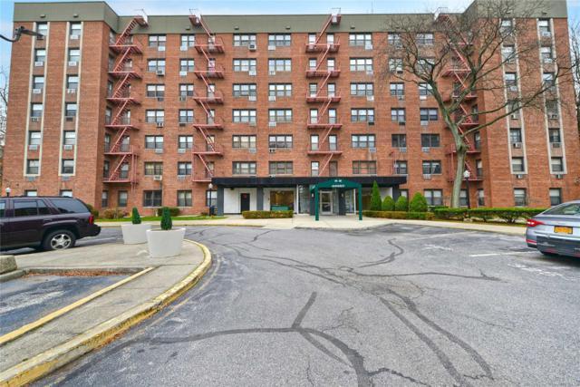 84-40 153 Ave 1A, Howard Beach, NY 11414 (MLS #3085074) :: Netter Real Estate