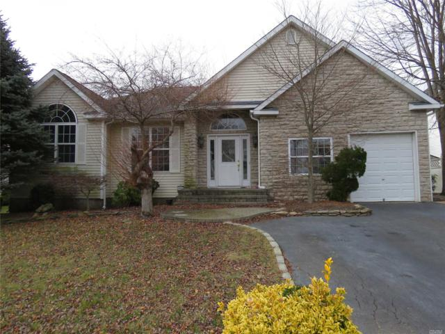 55 Blueberry Ridge Dr, Holtsville, NY 11742 (MLS #3093146) :: Keller Williams Points North