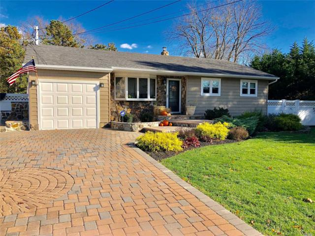1581 Roosevelt Ave, Bohemia, NY 11716 (MLS #3094221) :: The Lenard Team