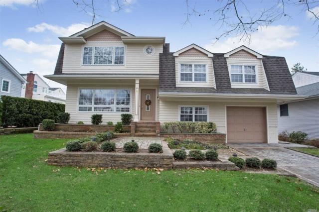 8 Greenridge Park, Garden City, NY 11530 (MLS #3094780) :: Signature Premier Properties