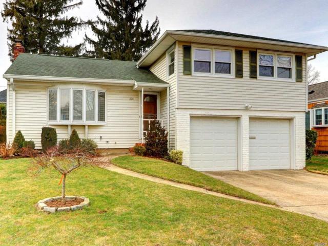 204 Meadbrook Rd, Garden City, NY 11530 (MLS #3094783) :: Signature Premier Properties