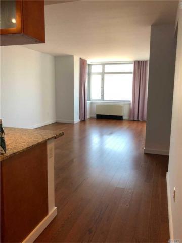 40-28 College Point Bl #1706, Flushing, NY 11354 (MLS #3094984) :: Netter Real Estate