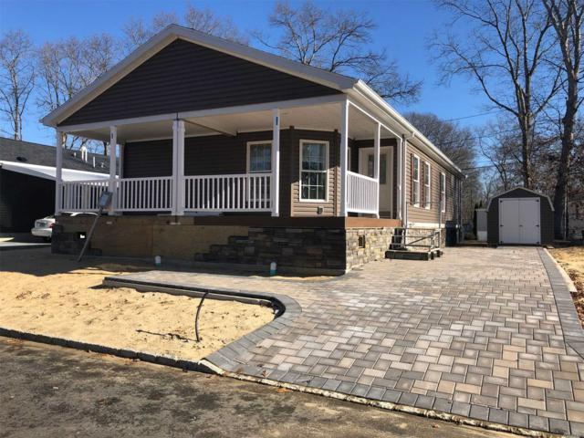 1661-580 Old Country Rd, Riverhead, NY 11901 (MLS #3097201) :: The Lenard Team