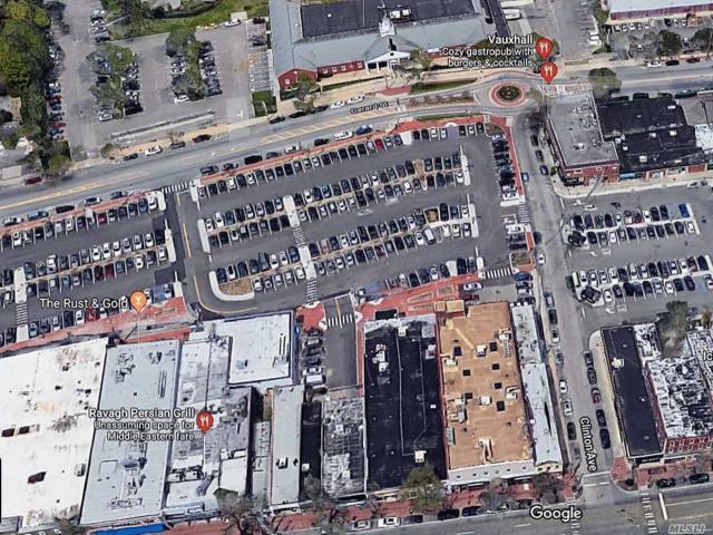 24 Clinton Ave, Huntington, NY 11743 (MLS #3098865) :: The Lenard Team