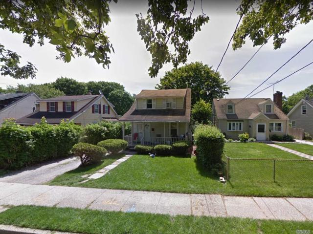118 Columbia St, Huntington Sta, NY 11746 (MLS #3100993) :: Signature Premier Properties