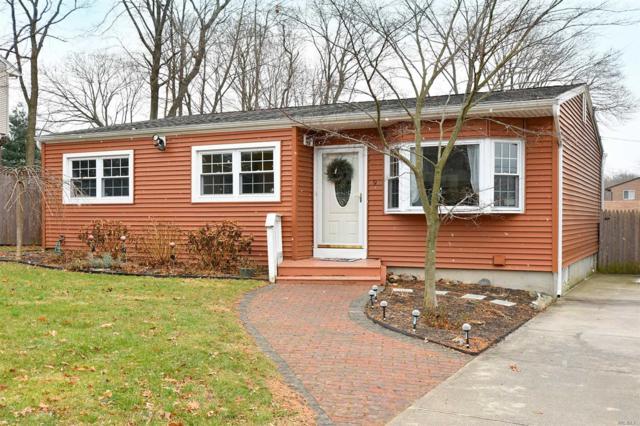 9 Manhattan Pl, Huntington, NY 11743 (MLS #3101090) :: Signature Premier Properties