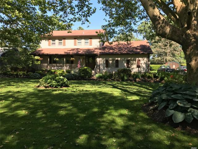 410 Blossom Bnd, Mattituck, NY 11952 (MLS #3101933) :: Netter Real Estate