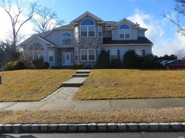 33 Southview Cir, Lake Grove, NY 11755 (MLS #3102123) :: Signature Premier Properties