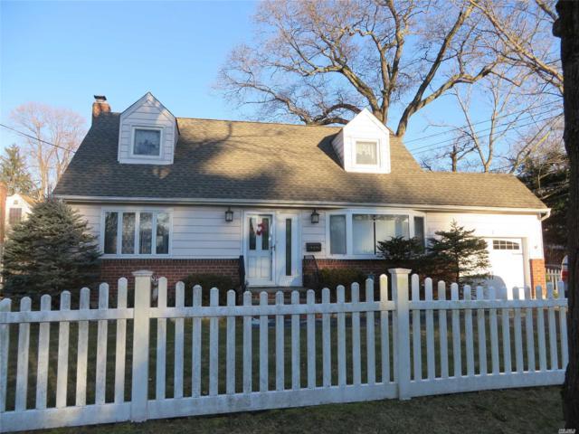 4 Oak Ave, Huntington Sta, NY 11746 (MLS #3102413) :: Signature Premier Properties