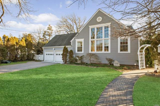 592 Oxford St, Westbury, NY 11590 (MLS #3102702) :: Signature Premier Properties