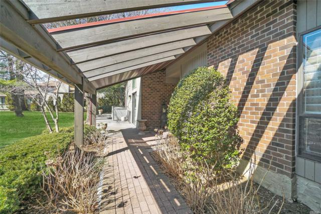 35 Country Club Dr, Jericho, NY 11753 (MLS #3109361) :: Signature Premier Properties
