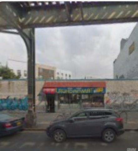 1493 Myrtle Ave, Brooklyn, NY 11237 (MLS #3109693) :: The Lenard Team
