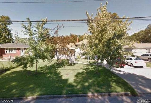 23 Longshore St, Bay Shore, NY 11706 (MLS #3109835) :: The Lenard Team