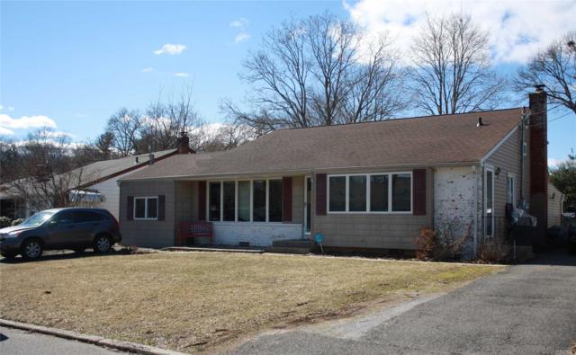 19 Glenwood Ln, Huntington, NY 11743 (MLS #3109984) :: The Lenard Team