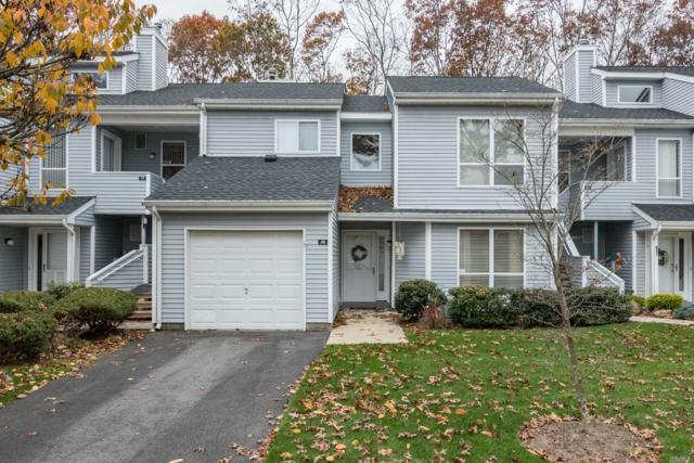 40 Lakeview Dr, Manorville, NY 11949 (MLS #3110297) :: The Lenard Team