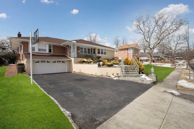 25 Queens Ln, Manhasset Hills, NY 11040 (MLS #3110382) :: The Lenard Team