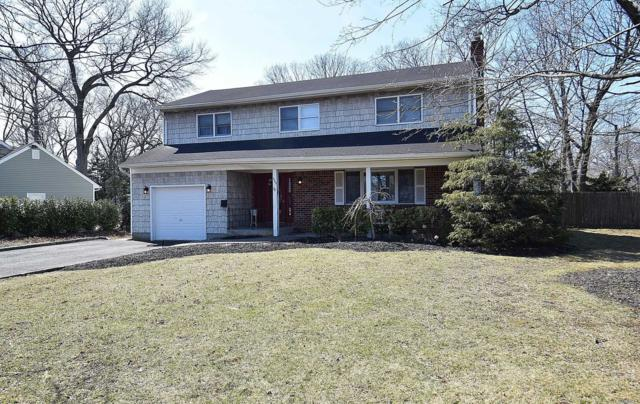 555 Brooklyn Blvd, Brightwaters, NY 11718 (MLS #3111469) :: Netter Real Estate