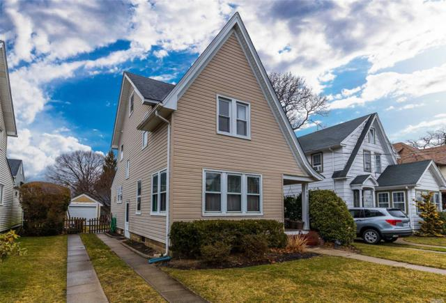 304 N Forest Ave, Rockville Centre, NY 11570 (MLS #3111535) :: Signature Premier Properties