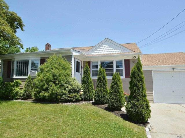 30 Monroe Dr, Lindenhurst, NY 11757 (MLS #3111569) :: Netter Real Estate