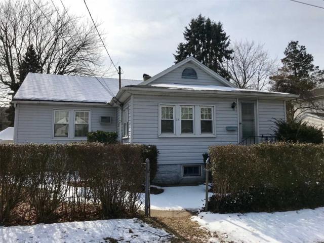 25 Parker Pl, W. Babylon, NY 11704 (MLS #3112092) :: Netter Real Estate