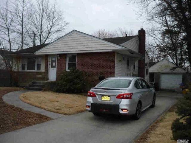 4 Fox Pl, Hicksville, NY 11801 (MLS #3112124) :: Signature Premier Properties