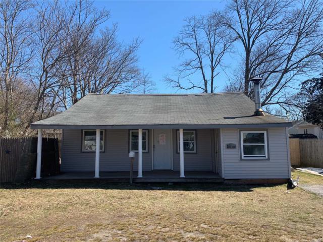 8 Pine Walk, Patchogue, NY 11772 (MLS #3112797) :: Signature Premier Properties