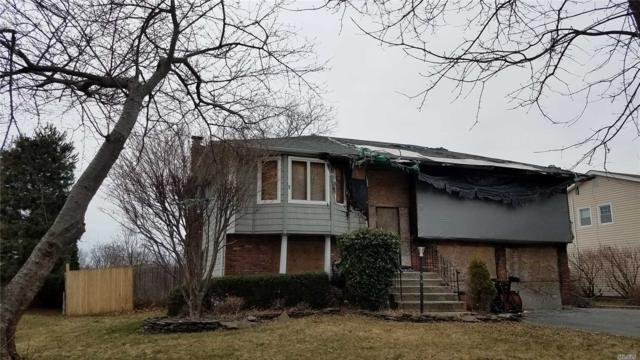 206 Connetquot Rd, Oakdale, NY 11769 (MLS #3113782) :: Signature Premier Properties