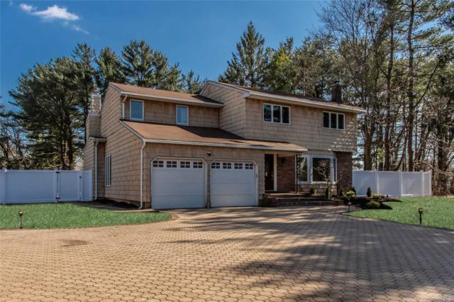 12 Capri Ct, Dix Hills, NY 11746 (MLS #3118234) :: Signature Premier Properties