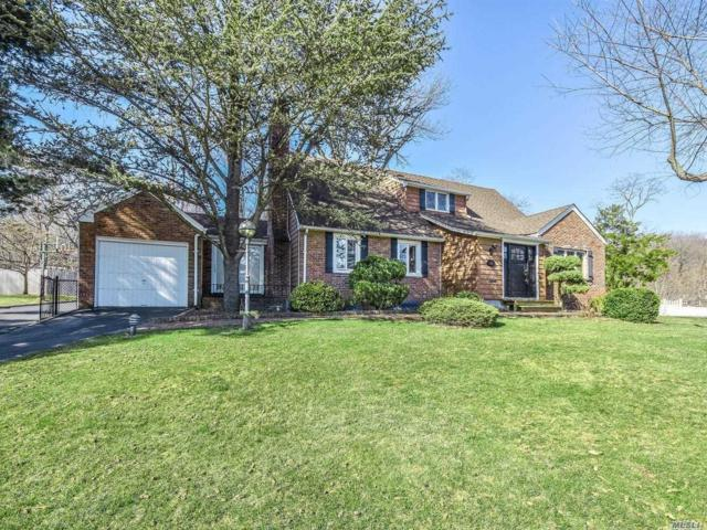 53 Revere Rd, East Hills, NY 11577 (MLS #3119223) :: Netter Real Estate