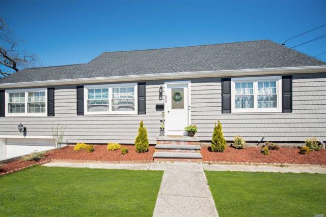 695 S 4th St, Lindenhurst, NY 11757 (MLS #3120053) :: Signature Premier Properties