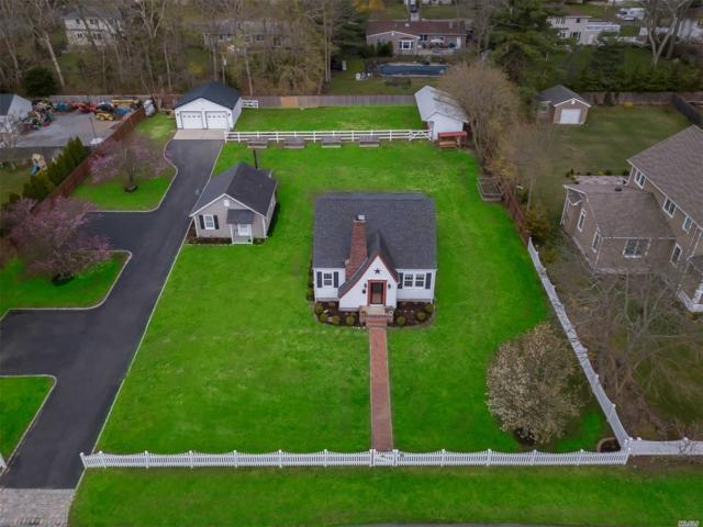 184 Juniper Ave, Smithtown, NY 11787 (MLS #3120190) :: Signature Premier Properties