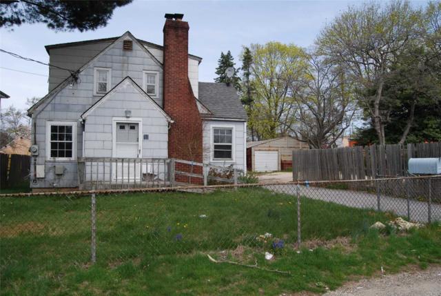 18 W 13th St, Huntington Sta, NY 11746 (MLS #3120775) :: Signature Premier Properties