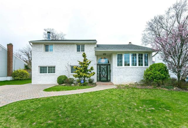 23 Roberta Ln, Syosset, NY 11791 (MLS #3121240) :: Signature Premier Properties