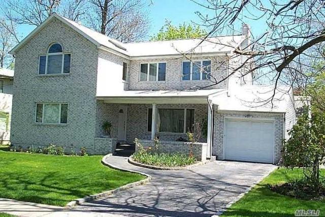 49 Warwick Rd, Great Neck, NY 11023 (MLS #3121342) :: Signature Premier Properties
