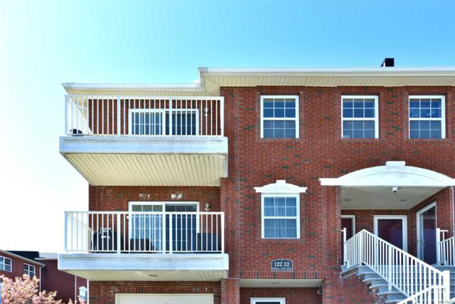 122-22 Powells Cove Blv, College Point, NY 11356 (MLS #3127344) :: Netter Real Estate