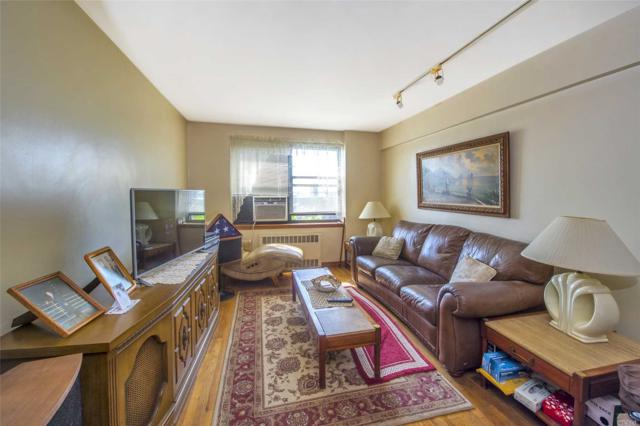 26-16 Union St 4D, Flushing, NY 11354 (MLS #3127962) :: Shares of New York