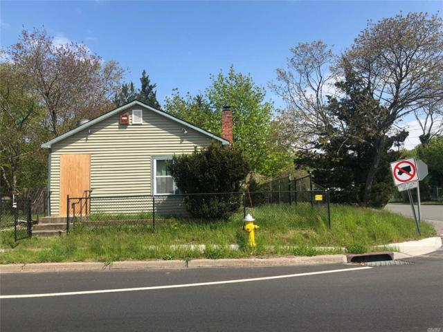 1621 Montauk Hwy, Bellport, NY 11713 (MLS #3128393) :: Shares of New York