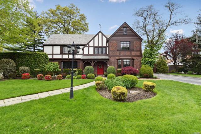 56 Devon Rd, Rockville Centre, NY 11570 (MLS #3129730) :: Signature Premier Properties