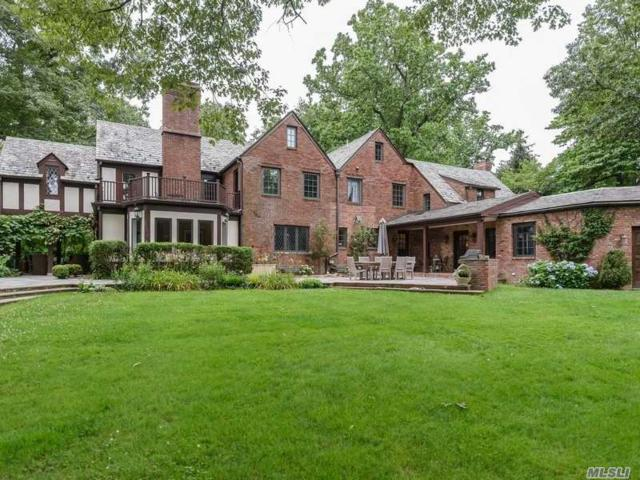 370 Manhasset Woods Rd, Manhasset, NY 11030 (MLS #3130166) :: HergGroup New York