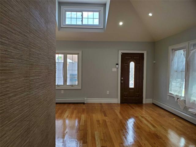 14446 223rd St, Laurelton, NY 11413 (MLS #3130169) :: Netter Real Estate