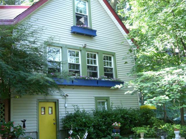 105 Altamont Ave, Sea Cliff, NY 11579 (MLS #3130738) :: The Lenard Team